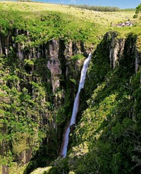 It may not instantly spring to mind as a thriving business and cultural destination, but recent reforms are opening the country's many hidden gems as never before. Zimbabwe has been named Best Destination for Cultural Tourism in Africa, 2011