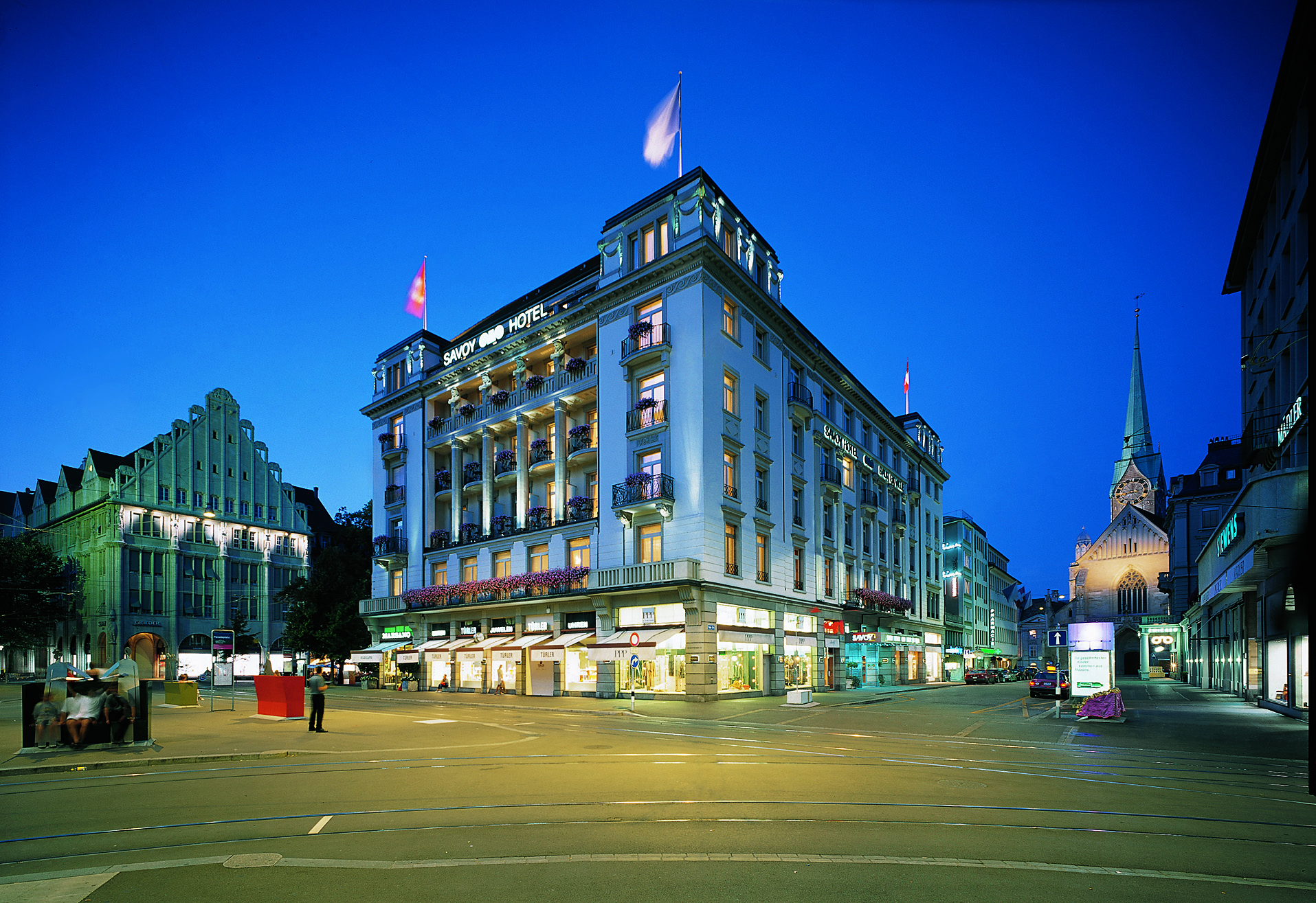 Image gallery hotel savoy zurich for Piscine zurich