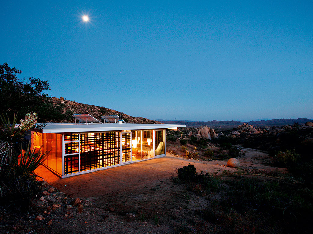 Off-grid itHouse, California, US