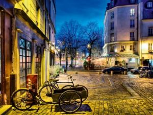 Paris shares a similar set up to London's 'Boris Bikes'