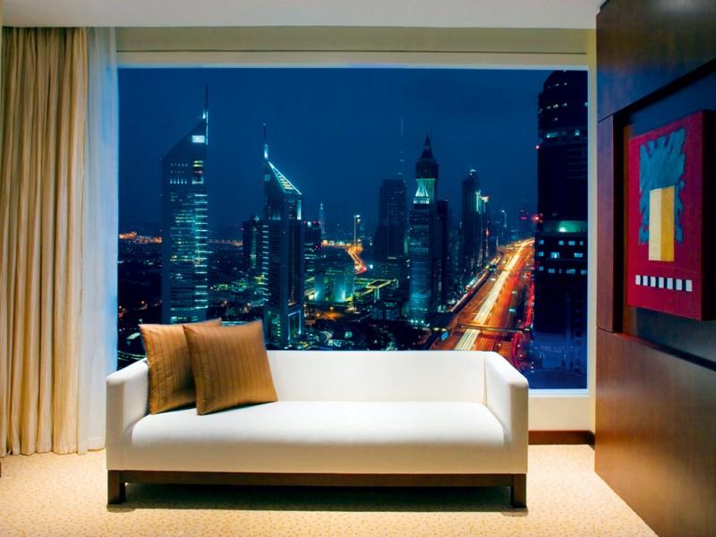 Radisson royal hotel dubai s central stopover business for Hotel room in dubai