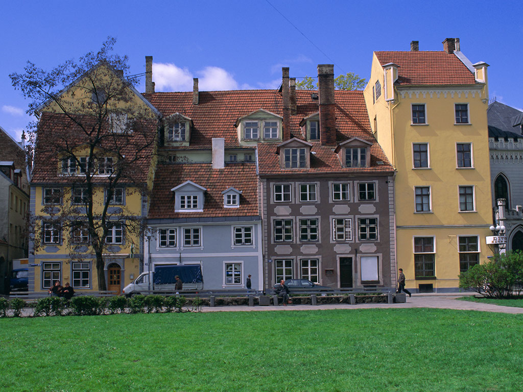 Houses-in-Riga's-Old-Town