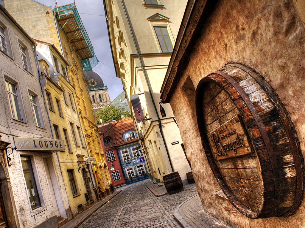 cobblestone streets of the UNESCO World Heritage Site