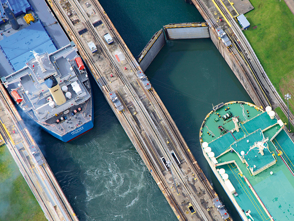 Two-boats-on-the-Panama-Canal