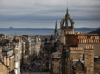 Slashing air passenger duty by 50 percent could provide a £1bn injection to Scotland's economy by 2020, a newly published report claims