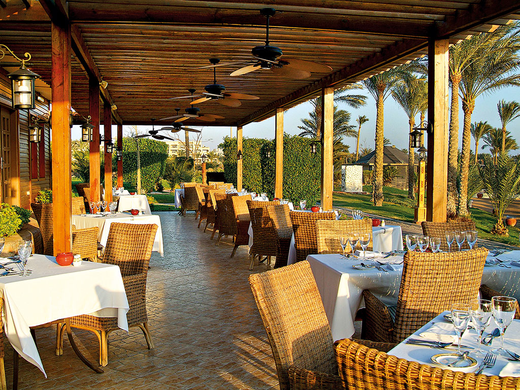 Steigenberger-al-Dau-Beach-Hotel-2