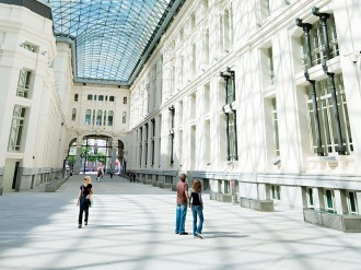 As one of Europe's friendliest capital cities, Madrid has a great deal to offer business and leisure travellers alike