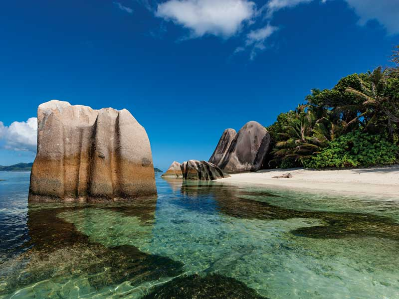 Daftar negara bebas visa dan bisa VoA untuk pemegang paspor Indonesia - Seychelles